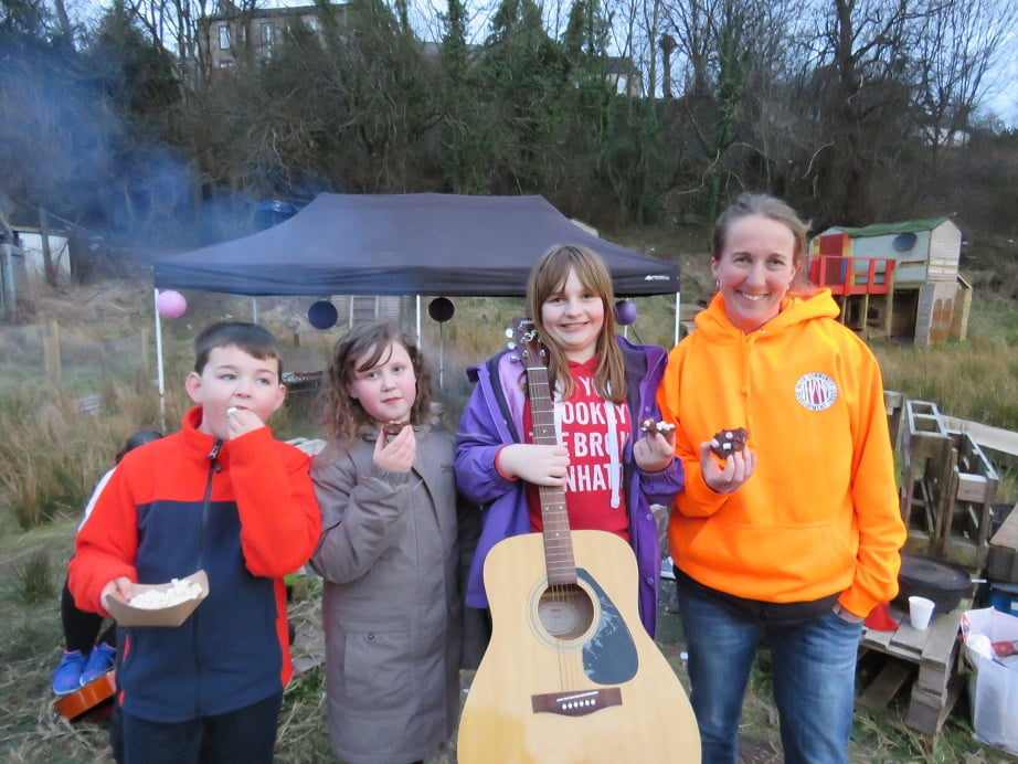 Campfire resize smores group photo